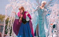 Frozen | Into the Magic (chris.alcoran) Tags: lighting chimney anna white snow color ariel water colors canon court project mouse photography eos three frozen king dancers princess time little disneyland pirates magic mary go lion royal bert tinkerbell it disney mickey parade frog peter step aurora captain coloring belle monkeys pan cinderella minnie tiana hook mermaid aladdin flappers rapunzel let elsa cymbal mickeys 6d poppins sweepers drumlins soundsational cablers intothemagic