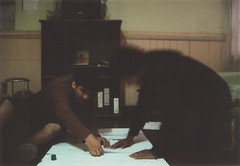 el eterno laburo (SebastianQuiroz) Tags: amigos valparaiso trabajo lomo lomography mm 35 lomografia analogo