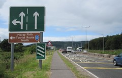 Longman Rounabout A9 approach (Inverness Trucker) Tags: road sign traffic roadworks lane roadsign trafficsign roadwork inverness lanes a9 longman invernessshire a82 longmanroundabout