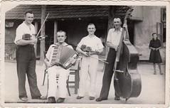 Emil apea 8.9.1946 Selena (Joco10) Tags: selenca muzika svadba vojvodina serbia slovaci music