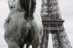 Tour Eiffel (michael_hamburg69) Tags: sculpture horse paris france geotagged cheval frankreich eiffeltower skulptur toureiffel eiffelturm 2011 pontdebirhakeim geo:lat=4885557619999999 geo:lon=2287564400000065