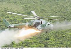 AH-2 Sabre (lançamento de foguete) (Força Aérea Brasileira - Página Oficial) Tags: brazil bra pará operacao zarabatana cachimbo fab ah2 sabre helicoptero helicóptero de ataque lancamento missil materialbélico armamento forçaaéreabrasileira brazilianairforce