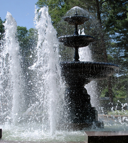 Mohegan Park Fountain
