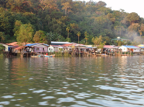 Fishing village, Salak River