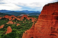 Las Mdulas, Spain (MARIUCA2014) Tags: red sky mountains verde green rojo rocks minas cielo rocas mygearandme