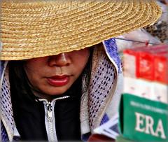 Laos - Febbraio 2011 (anton.it) Tags: donna laos 1001nights bocca cappello vientiane naso volto canong10 antonit 1001nightsmagiccity mygearandme ringexcellence