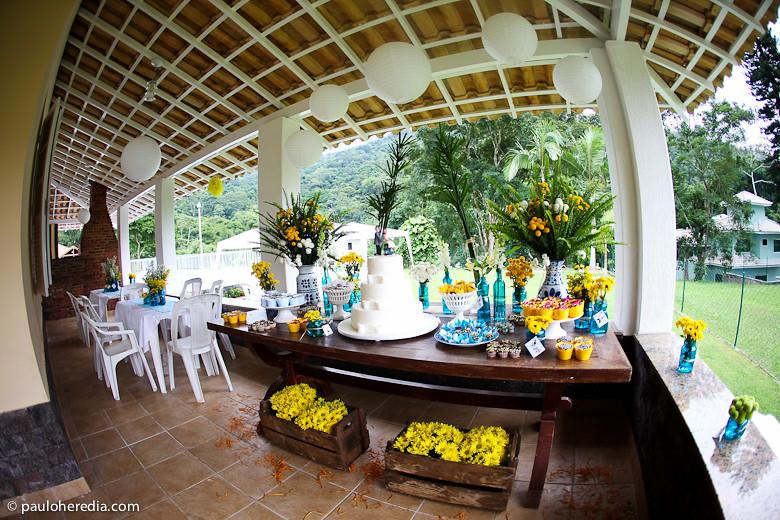 Um casamento incrível azul e amarelo!