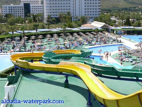 Alcudia Waterpark's Parallel Slides