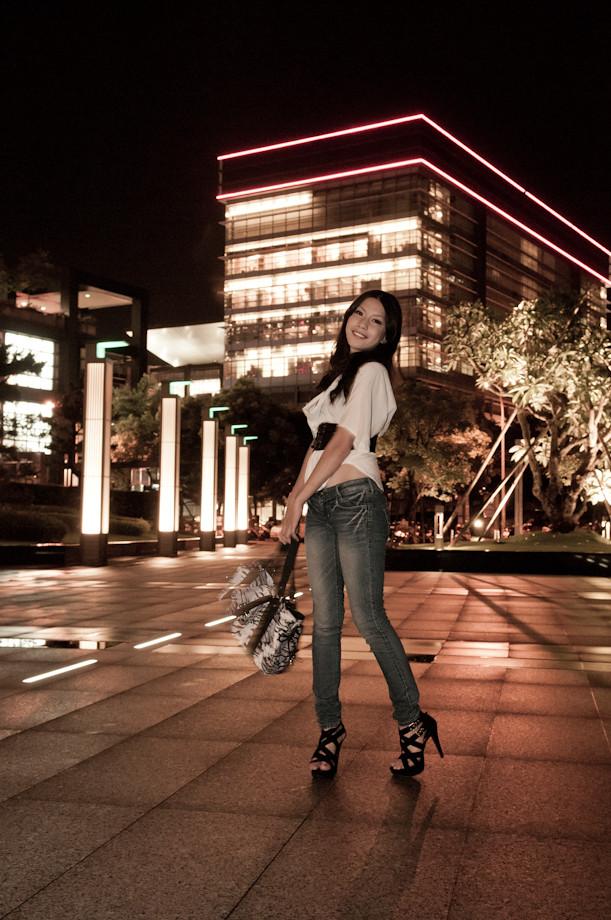 Lina-雨後的信義區之夜