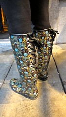 Lace Up Rain Boots (Lynn Friedman) Tags: sf sanfrancisco ca blue usa brown painterly blur streets rain fashion yellow boot boots theme ribbon wellies impressionistic earthtones rubbers laceup rainboots streetsandpeople lynnfriedman streetspeople