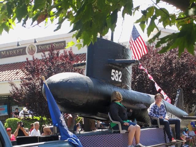 submarine float