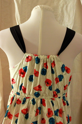 poppy_dress_back