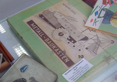 """Made in GDR ... """"Schefflers Metall-Baukasten"""" (bayernernst) Tags: deutschland april spielzeug 2012 metallbaukasten flickrblick stabilbaukasten 14042012 sn201476 ddrgdrmade gdrschefflersmetallbaukasten"""