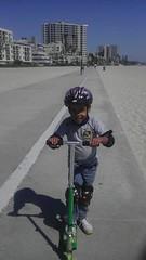 I left sunday morning. I got back sunday morning and im already at the beach, back on my grind son...