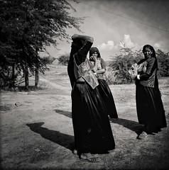 IMG_6554 (Pepe Posse) Tags: woman india gujarat iphone rabari