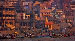 INDIEN, india, Varanasi (Benares) frhmorgends  entlang der Ghats , 14462/7349 (roba66) Tags: indienvaranasibenaresfrhmorgendsentlangderghats varanasibenares indien indiennord asien asia india inde northernindia urlaub reisen travel explore voyages visit tourism roba66 city capital stadt cityscape benares varanasi ganges ganga ghat pilgerstadt pilger hindu hindui menschen people indianlife indianscene history brauchtum tradition kultur culture indiansequence historie historic historical geschichte hinduismus
