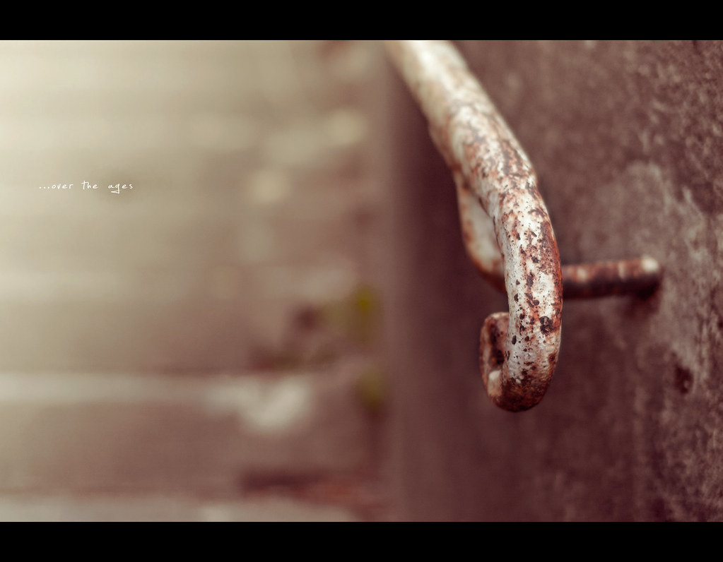 Project 365, Day 306, 306/365, Bokeh, Sigma 50mm F1.4 EX DG HSM, railing, rust, old, stairs, worn down, over the ages, 50mm, 50 mm,