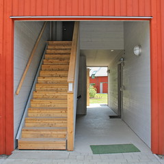Passive House - jersj VII (hansn (2 Million Views)) Tags: europa europe sverige sweden partille jersj ojersjo passivhus passivhouse lgenergi lowenergy arkitektur architecture modern contemporary arkitekt architect abako abakoarkitektkontor brf bostadsrttsfrening tenantownerssociety rd falurd red squarish square