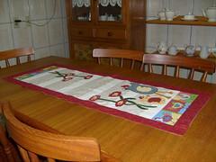 Trilho de mesa (Paty Patch) Tags: patchwork galinhas trilhodemesa patchaplique