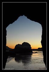 Marco de piedra (lokitaegc) Tags: atardecer playa algarve rocas praiadarocha portimao nikond90 18105vr egallardo lokitaegc mygearandme