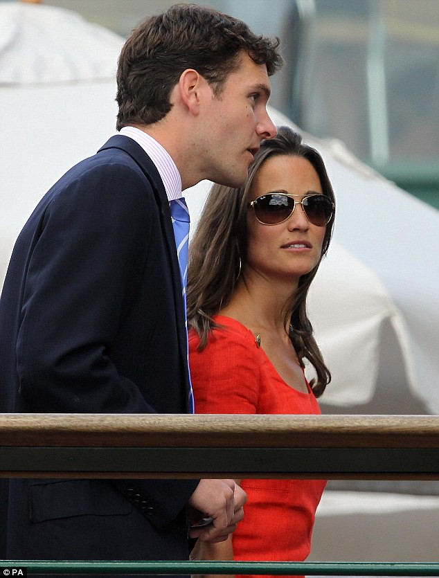 Pippa Middleton ends speculation of a break-up as she and boyfriend Alex Loudon arrive at Wimbledon  4