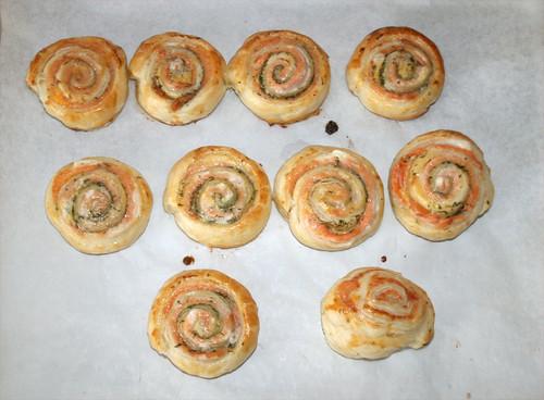 Räucherlachs-Blätterteigschnecken - fertig gebacken