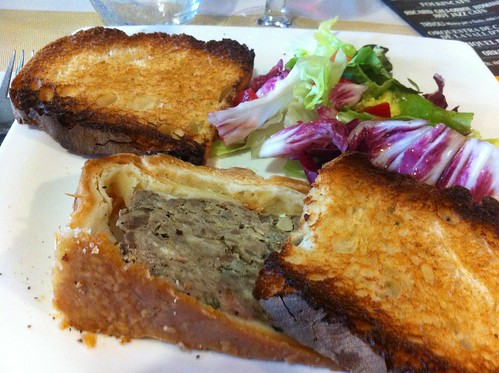 La Vall d'en Bas | Restaurant Sant Miquel | Paté de oca con crosta