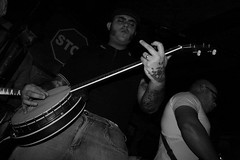 Monsters of Rock (guiceccatto) Tags: show bw rock tattoo banda concert band banjo pb tatuagem