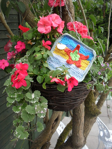 crochet3love (UK) Your 'Tropical' Square has arrived.