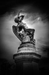 fallen (lord_yomismo) Tags: madrid parque sculpture angel del fallen estatua retiro paranoia caido buen