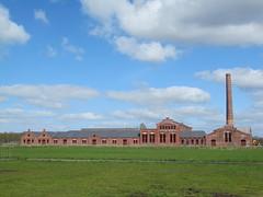 De Toekomst (louisamaria) Tags: industry factory nederland thenetherlands cardboard groningen fabriek industrialheritage scheemda industrieelerfgoed rijksmonument strokarton oostgroningen strokartonfabriek
