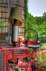 Abandoned Tractor (Steve Lindenman) Tags: tractor nc hdr mooresville lindenman copperheadfarms