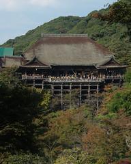 HONDO, KIYOMIZUDERA: Masatomo Nakai, Kyoto, 1633 (wakiiii) Tags: japan architecture wooden traditional s5pro afsmicronikkor60mmf28g