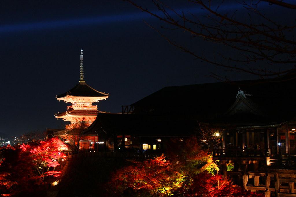 Kiyomizu-dera Illumination 2010  (10)