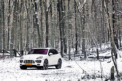 Porsche Cayenne Turbo (marknauta.nl) Tags: winter snow holland nikon mark arnhem cayenne turbo porsche carro 80200 hogeveluwe d300 200mm nauta afd veluw marknautanl