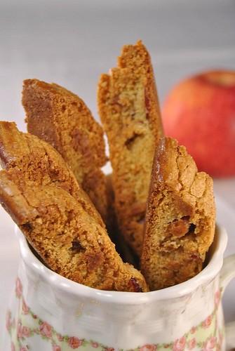 Apple Strudel Biscotti