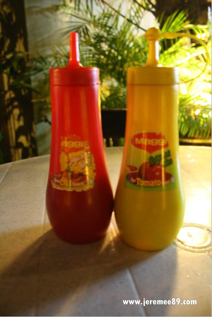 Yaw's Roast & Grill - Sauce