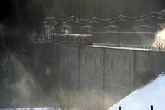 S52 mit BLS GTW auf dem Saane - Viadukt in Gmmenen , Kanton Bern , Schweiz (chrchr_75) Tags: train de tren schweiz switzerland suisse swiss eisenbahn railway zug locomotive bern christoph svizzera bls bahn treno chemin centralstation fer 1012 locomotora tog juna lokomotive lok ferrovia simplon spoorweg suissa locomotiva lokomotiv ferroviaria  locomotief chrigu ltschberg  rautatie  gmmenen zoug trainen kantonbern ltschbergbahn  chrchr hurni chrchr75 chriguh