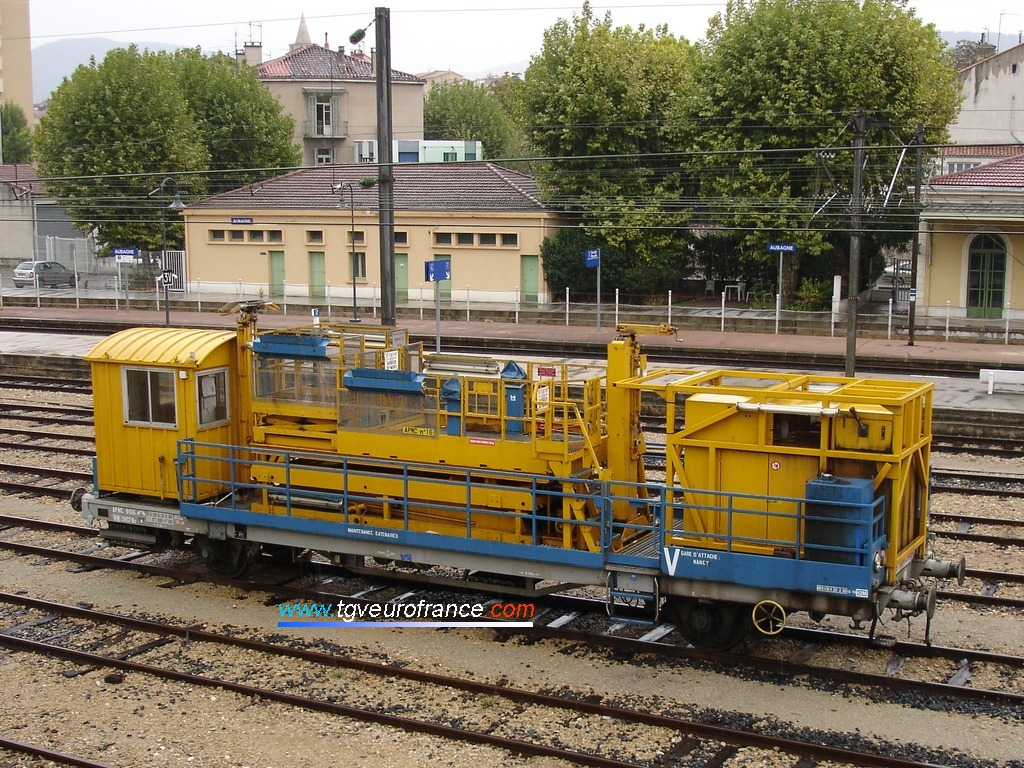 L'APMC 16 de la SNCF en gare d'Aubagne le 24 septembre 2006