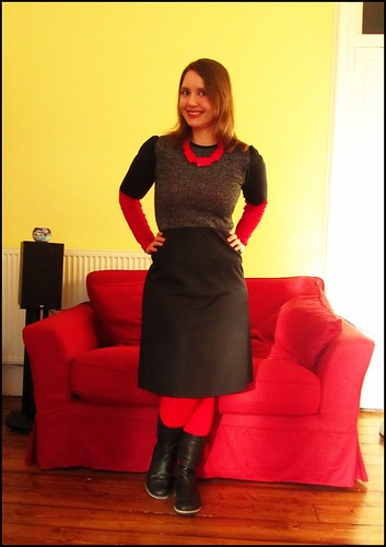 15.10.11: black and red and a wee bit of silver