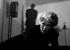 she's lying (Dill Pixels (THE ORIGINAL)) Tags: bw cinema classic film movie noir columbia hollywood filmnoir orsonwelles ritahayworth theladyfromshanghai