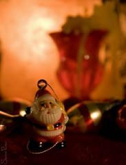 20081011_9999_62b (Fantasyfan.) Tags: santa christmas xmas macro topv111 tag3 taggedout season warm tag2 tag1 bokeh celebration yule fantasyfanin