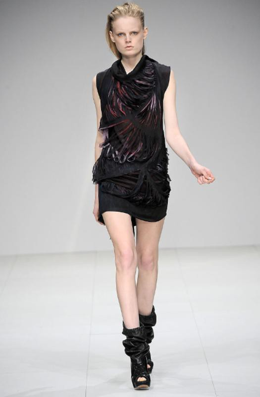 Sharon Wauchob Fall 2010 Slit dress 10