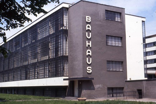 bauhaus chair, bauhaus school, bauhaus dessau, walter groupius, modernist architecture, cantilever chair