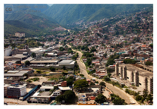 """Caracas • <a style=""""font-size:0.8em;"""" href=""""http://www.flickr.com/photos/20681585@N05/5292662873/"""" target=""""_blank"""">View on Flickr</a>"""
