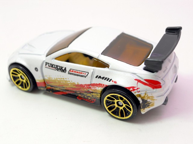 hot wheels nissan 350z white (4)