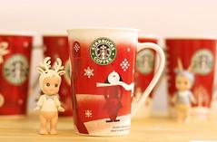 20101230_0034 (kenty_) Tags: red green cup coffee starbucks 收集 杯子 星巴客 聖誕杯 5年收藏 紀念款