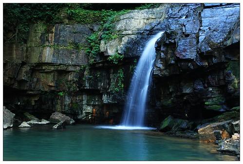 水上瀑布4