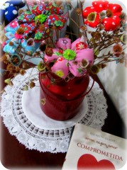 Uma das metas para 2011 ... (Joana Joaninha) Tags: flores casa amor livro mesa capricho renascena elizabethgilbert comprometida joanajoaninha hellennilce