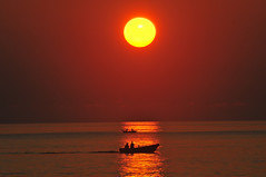 New Day New Beginning (Heshan de Mel) Tags: sea sun sunlight beach silhouette sunrise boat fisherman sunny srilanka trincomalee trinco nikond300s